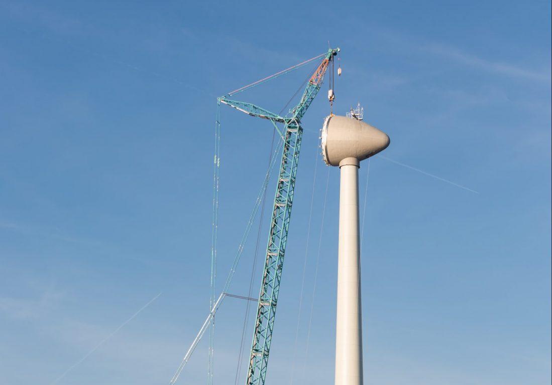 Tuulivoimalaa rakennetaan