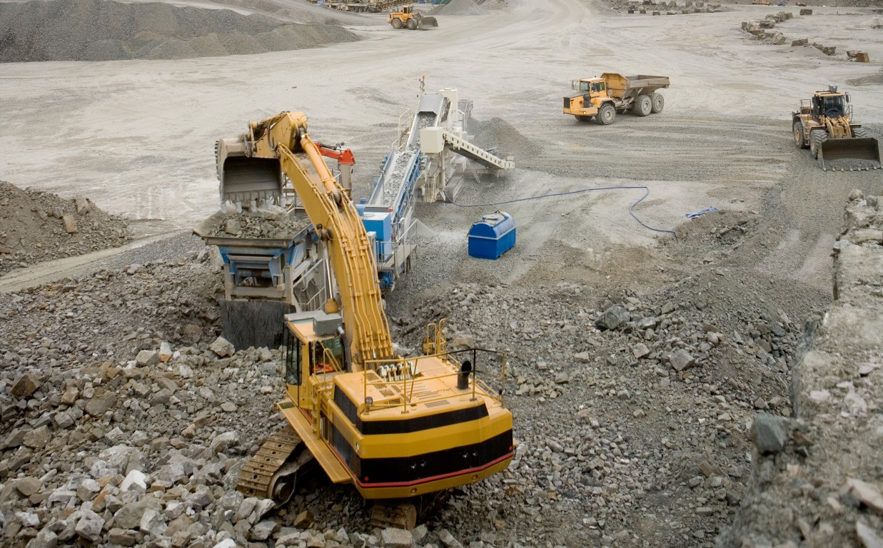 Kaivos ja koneita